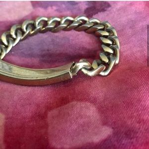 Vintage Jewelry - 🏵4/$25 Gold Bold Engraved Chain Bracelet